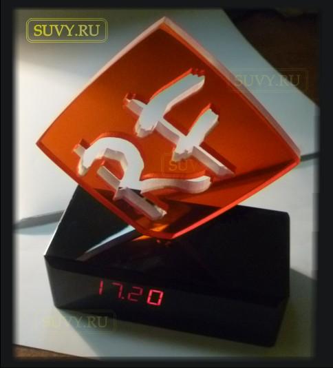 Эксклюзивные часы с подсветкой логотипа. Изготовлено в suvy.ru