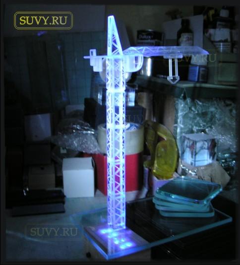 """Сувенир """"Башенный кран с подсветкой"""". Подарок изготовлен ко дню строителя"""
