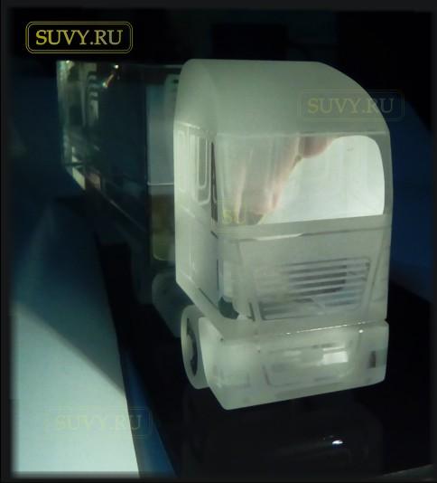 Сувенирная модель грузового автомобиля. Идея подарка для автомобилистов