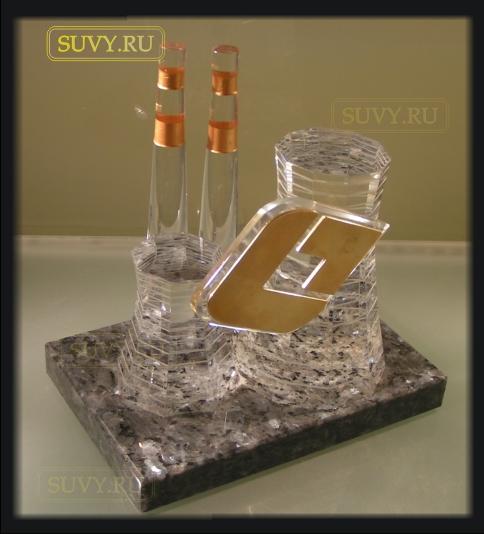 Подарочный макет электростанции на подставке из камня